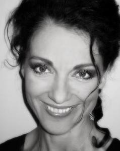 Make-up, hair, photo, model: Andrea Gerak